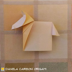 """""""Cavallo 2D""""  Carta da origami, lato 15 cm. Modello creato tra ieri ed oggi. --------------------------------- """"Horse 2D""""  Kami paper, 25 cm edge. Model created between yesterday and today.  #origami #cartapiegata #paperfolding #papiroflexia  #paper #pape (Nocciola_) Tags: origami2d horse paperart cartapiegata createdandfolded papiroflexia paperfolding originaldesign danielacarboniorigami paper cavallo origami"""