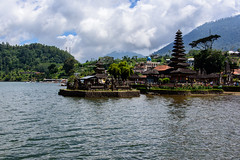 ulun danu beratan temple (Greg M Rohan) Tags: trees green mountain water travel clouds sky temple bali indonesia asia d750 2018 nikon nikkor
