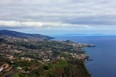 Cabo Girão - Funchal (Madeira) (Clàudia Ayuso) Tags: claudia ayuso ramirez claudiayuso funchal madeira camara de lobos cabo girao cape landscape paisaje viaje viatge travel trip clark trips portugal island boat ship color colour beach sea ocean palmtree green sealine tourism