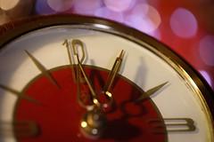 Five past Twelve (socialwebforscher) Tags: canon100mmf28l canoneos5dmarkiv macromondays makro timepieces uhr clock time