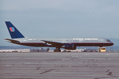 N554UA Boeing B757-222 KTUS 22-04-97 (MarkP51) Tags: n554ua boeing b757222 b757 unitedairlines ua ual tucson international airport tus ktus arizona usa