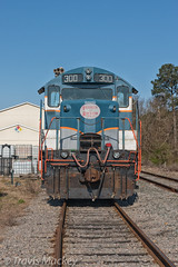 A&R 300 at FCI (Travis Mackey Photography) Tags: ar 300 gp18 fci raeford nc train railroad locomotive trees grass sky building