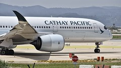 Airbus A350-941 I B-LRN I Cathay Pacific (Gustavo H. Braga) Tags: cathaypacific aviation airplanes airport aviação aviacao aviao aeronaves aeroporto airbus a350 barcelona spain photo avgeek takeoff