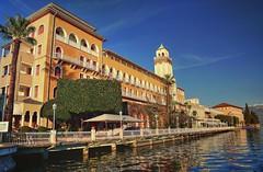 Gardone Riviera (giannipiras555) Tags: lago colori garda lombardia riflessi palazzo architettura alberi