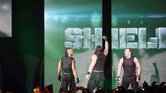 2014-05-22_22-35-10_ILCE-6000_DSC02338 (Miguel Discart (Photos Vrac)) Tags: 2014 315mm 6persontag catch combatdelutte curtisaxel deanambrose e55210mmf4563oss focallength315mm focallengthin35mmformat315mm highiso ilce6000 iso3200 lutte mainevent randyorton romanreigns ryback sethrollins sony sonyilce6000 sonyilce6000e55210mmf4563oss sport wrestling wrestlingmatch wwe wwemainevent