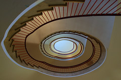 A new one (Elbmaedchen) Tags: staircase stairwell stairs stufen roundandround escaliers escaleras helix upanddownstairs lines curves kurvig oval treppenauge treppenhaus treppe hamburg spirale