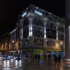 Hotel Internacional (Carsten Weigel) Tags: lisboa lisbon lissabon hotelinternacional baixa portugal canong1xmarkii carstenweigel nacht night lights lichter