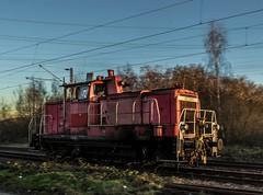 32_2019_02_14_Gelsenkirchen_Bismarck_3363_210_DB_Lz ➡️ Bottrop_Süd (ruhrpott.sprinter) Tags: ruhrpott sprinter deutschland germany allmangne nrw ruhrgebiet gelsenkirchen lokomotive locomotives eisenbahn railroad rail zug train reisezug passenger güter cargo freight fret bismarck db ccw de efm eh eloc hctor rpool pkpc spag 323 0077 0275 0632 1225 1265 1266 1275 3294 6145 6156 6185 6186 6189 6241 9123 9124 captrain ecr ell hectorrail lotos setg spitzke museumszug schrottzug logo natur outdoor graffiti wildgänse flugzeug sonnenuntergang airbus 380