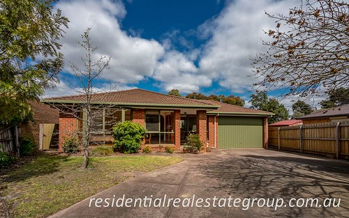 9 Medlar Ct, Mill Park VIC 3082