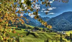 SOLE (giannipiras555) Tags: panorama landscape dolomiti odle trentino altoadige nikon montagna collina alberi colori nuvole paesaggio foglie foliage autunno travel