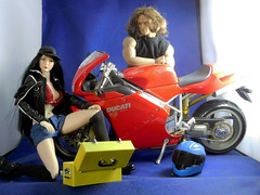 63 (Cremdon) Tags: 16scale ducati 998 actionfigures