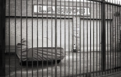 Los Angeles CA 2018 (marzo ph.) Tags: los angeles ca 2018 leica m6 delta 100 makemeseemag filmphotography filmisnotdead 35mm ishootfilm 35mmfilm filmcamera staybrokeshootfilm believeinfilm buyfilmnotmegapixels istillshootfilm filmisalive shotonfilm filmcommunity grainisgood keepfilmalive filmfeed analoguevibes analog analogfeatures analogphotography back2thebase heyfsc deathb4digital filmwave sharefilm streethoney redditanalog photofilmy losangeles leicam6 ilford getoutanddrive carsofinstagram classiccarspotting classiccardaily