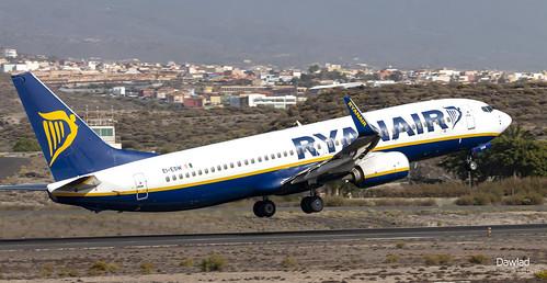 EI-ESW Ryanair despegando de TFS