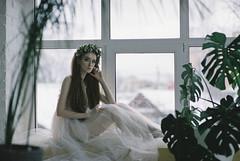 000004 (KirillSokolov) Tags: girl portrait nikon nikonru nikon8008s film 8514 85mm fujifilm400h 85d daylight studio finearts девушка портерт россия иваново дневнойсвет плёнка никон 85мм фуджи весна цветы flowers spring sexy pretty beauty cute young redhead redhair longhair рыжая