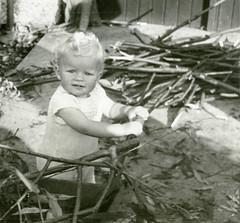 ??? (Brett Jordan) Tags: brett brettjordan oldphotos oldphotographs vintagepictures