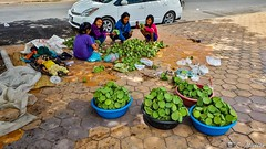 Fruits à vendre (2018 Trip) (clamato39) Tags: fruit phnompenh samsung cambodge cambodia asia asie voyage trip people gens colors urban urbain city