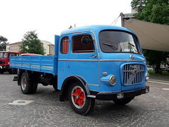 OM Tigrotto (Actros1857LS) Tags: om tigrotto camion truck trucks lkw oldtimer epoca fuoriserie orlandi