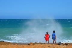 Esperando el arcoiris (tecnologia12) Tags: mar agua playa niños naturaleza retratos portrait colombia wayu