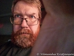 20181128_135827 vk (Villi Kristjans) Tags: vilmundur vk villi vkphoto kristjansson kristjans kristjáns kristjánsson me i person man glasses red beaqrd color colour digital