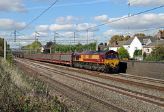 66063 Atherstone (CD Sansome) Tags: 66063 66 atherstone west coast main line wcml db cargo schenker ews english welsh scottish railway halewood southampton cars eastern docks 6o42 train trains