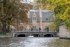Sashuis, Brugge (itmpa) Tags: bruges westflanders belgium be unesco worldheritagesite debakkersrei bakkersrei canal sashuis lockhouse brugge flanders tomparnell archhist canon 6d canon6d