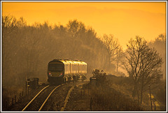 Morning mist cutter (david.hayes77) Tags: class185 desiro siemens mist colnevalley mirfield heatonlodge heatonlodgejunction yorkshire westyorkshire 185118 backlight backlit silhouette contrejour arty transpennine 1p67 glint winter