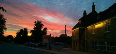 Sunset at the Pub (noluck) Tags: uk broadway sunset night sky himmel panorama sonnenuntergang cellphonecamera handycam cotswolds colourful farbenfroh