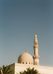 Dubai Mosque Nov 2018 (alanpods) Tags: olympus pen ft zuiko 38mm kodak pro image 100