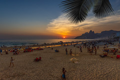 Just Another Sunset (brunogargaglione) Tags: ipanema arpoador rio de janeiro brasil brazil landscape landscapes cityscape cityscapes townscape townscapes seascape sea seascapes seaside seashore beach praia praias sunset sunny sun summer summertime nature natural light mountain mountains morro dois irmãos brothers scenics scenic golden hour