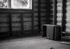 Furniture on it's Side (Haruhara_Izzy) Tags: leica standard 35mm ilford hp5 id11 canoscan 9000f waiuku