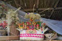 (kuuan) Tags: manualfocus mf voigtländer15mm cvf4515mm 15mm bali indonesia sonynex5n festival temple preparations offerings gods figueres statues