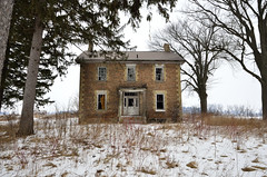 . (Dave Summer) Tags: abandoned farmhouse afs1024mm