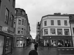 Kungsgatan (rotabaga) Tags: sverige sweden svartvitt göteborg gothenburg iphone blackandwhite
