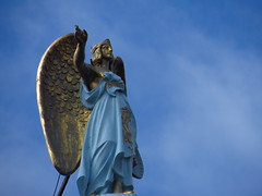 IMG_1608 (das.borrego) Tags: amsterdam holland holanda estatua escultura cielo azul blau blue angel engel amateur aficionado himmel sky