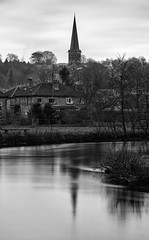 Bakewell Church (l4ts) Tags: landscape derbyshire peakdistrict whitepeak bakewell bakewellchurch allsaintschurch riverwye reflections blackwhite monochrome longexposure 10stopfilter