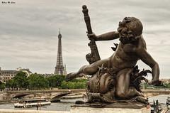 Paseos por el Sena (París) (Jose Manuel Cano) Tags: sena paris río river estatua statue eiffel nikond5100