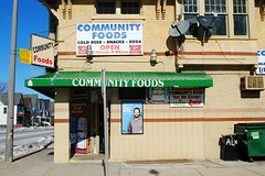 Community Foods, Milwaukee (Cragin Spring) Tags: wisconsin wi midwest unitedstates usa unitedstatesofamerica milwaukee milwaukeewi milwaukeewisconsin city urban sign building grocery grocerystore communityfoods