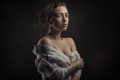 Manon (Pierre Beteille) Tags: portrait model modèle studio classique couleur color toulouse