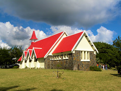 DSCN0034 (alainazer2) Tags: maurice mauritius eglise chiesa church ciel cielo sky colori colors couleurs albero arbre tree architecture bâtiment