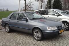 Ford Sierra mk3 2.0i CL Azur aut 1-10-1991 DD-LN-81 (Fuego 81) Tags: ford sierra mk3 azur 1991 ddln81 onk sedan sidecode5