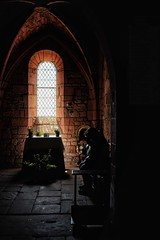 Recueillement (Isa-belle33) Tags: light shadow clairobscur window fenêtre people personne woman femme church