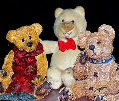 """Who is the softest?  """" Smiles on Saturday """" (marieschubert1) Tags: boydsbears plush figurines smilesonsaturday oddoneout collectable toybear animalalleybear"""