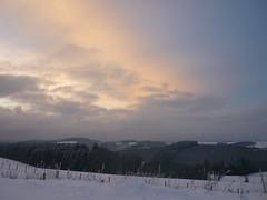 Ösling - Winterlandschaft (Jörg Paul Kaspari) Tags: ösling winter schnee hoscheiddickt landschaft landscape hochplateau hochplateaulandschaft himmel sky winterabend