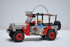 Jurassic Park Jeep. (tehLEGOman) Tags: jurassicpark jurassicparkjeep jeep lego legocity legojeep legojurassicparkjeep jp12