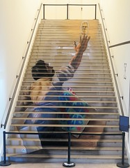 Où ai-je vu cet escalier ? Au Musée de l'Homme à Paris, escalier peint par Zag et Sia (Sokleine) Tags: escalier stairs streetart fresque painting zagsia musée museum muséedelhomme paris 75016 france