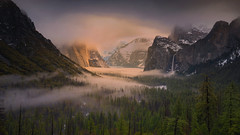Golden hour (Sapna Reddy Photography) Tags: yosemite nationalpark tunnelview landscape nature storm goldenlight mountains valley california