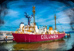Columbia in Astoria (dbvirago) Tags: astoria bay harbor oregon anchored antique boat coast columbia cutter dock guard historic lightship marine maritime military museum navigation ocean old pacific port red retired river sea ship shipping transport transportation usa vessel water