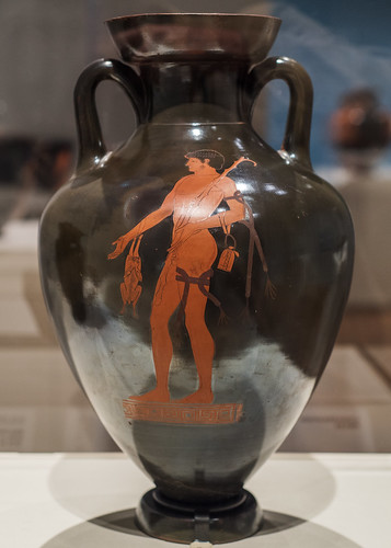 Athenian Red Figure panathenaic amphora. Side B, victorious nude athlete with a hare