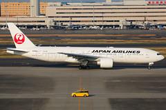 Japan Airlines Boeing 777-246(ER) JA703J (Mark Harris photography) Tags: spotting hnd haneda japan jpn plane canon aviation