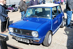 1976 1275GT Mini NGK889P Brooklands Mini Day March 2019 (davidseall) Tags: 1976 1275gt 1275 gt mini clubman leyland austin blmc bmc ngk889p ngk 889p car classic original old style shape great british brooklands day march 2019 weybridge surrey uk blue